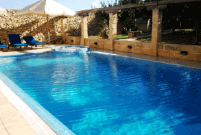 Holiday villas farmhouses with outdoor pools apartments for Pool design malta