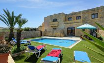 Sav200 - 3 Bedroom Gozo Xaghra - 4 Bathrooms - Air-Conditioned - Private Outdoor Pool - Country Views - Sleeps 7 persons  malta, Holiday Rentals Malta & Gozo malta